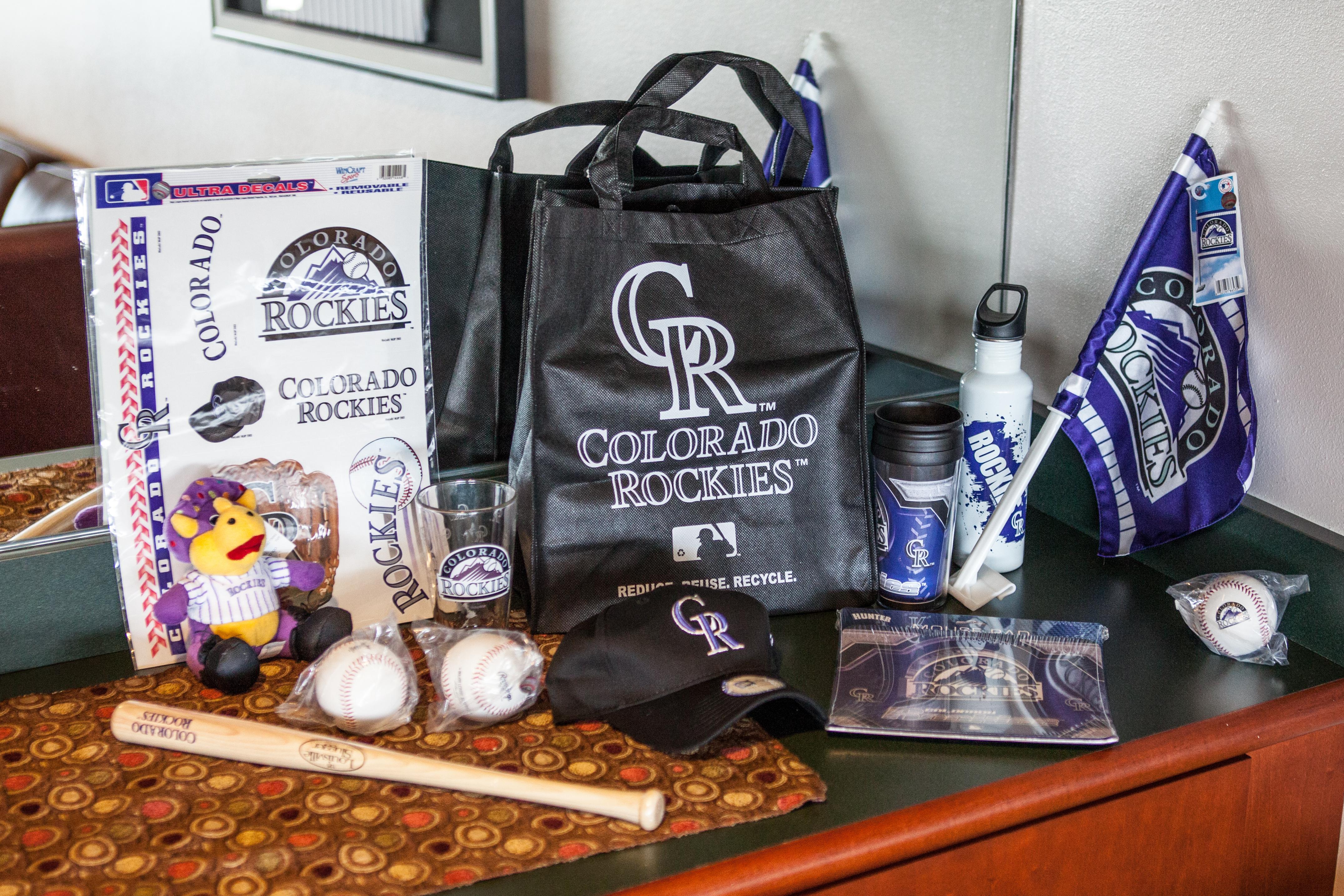 Free giveaways make for fun MLB games!